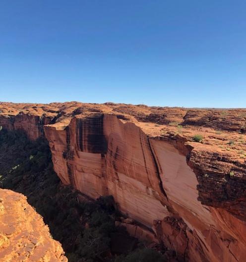 The breathtaking walls of Kings Canyon